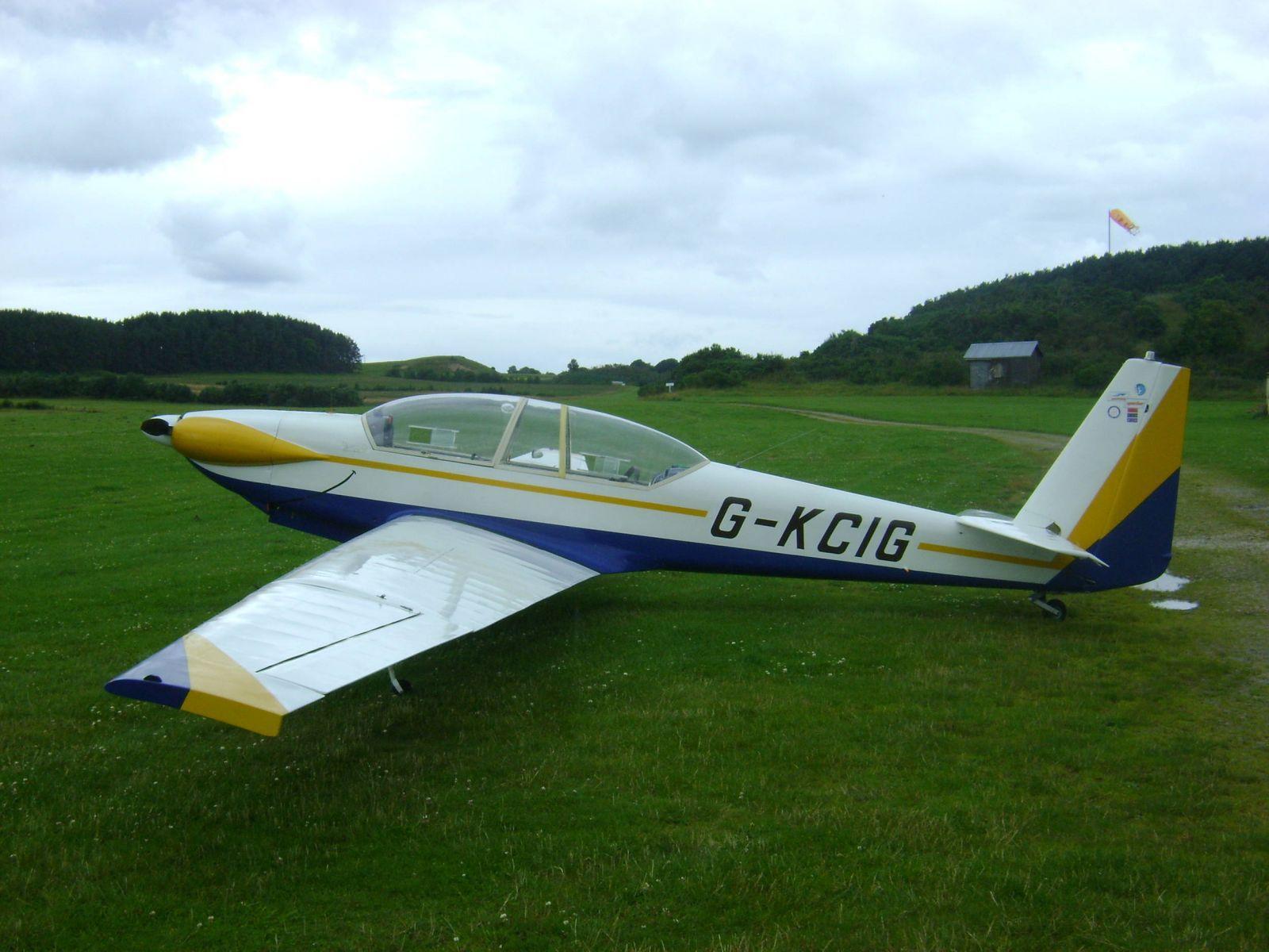 G-KCIG at Easterton Airfield
