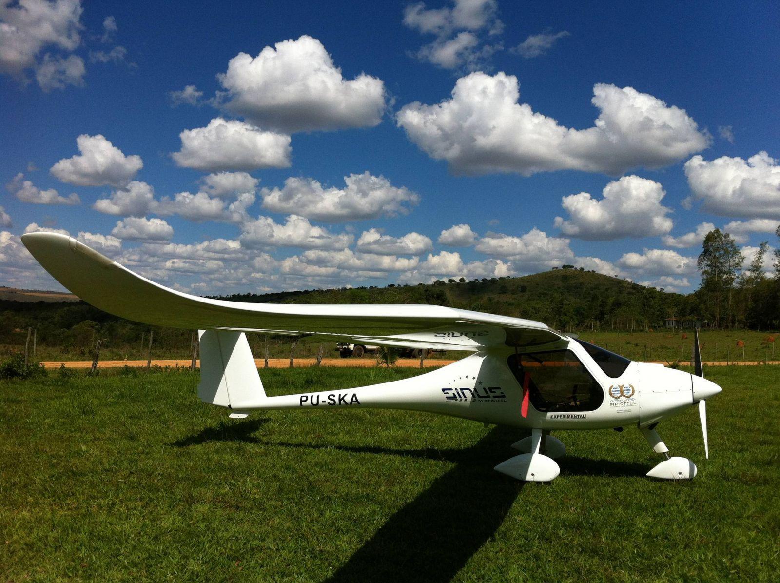 Touring and gliding over Serra da Canastra, Minas Gerais