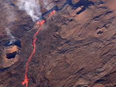 Looking from the Pipistrel into the heart of the earth -  Stream of Lava -